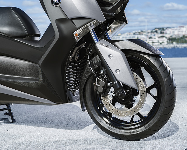 https://www.yamahas.nz/i/Images/Models/Road/Scooter/XMax300/Features/XMAX300_8.jpg