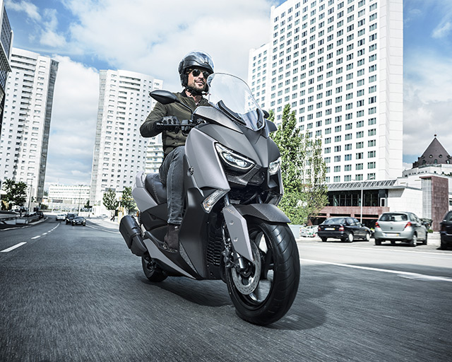 https://www.yamahas.nz/i/Images/Models/Road/Scooter/XMax300/Features/XMAX300_9.jpg