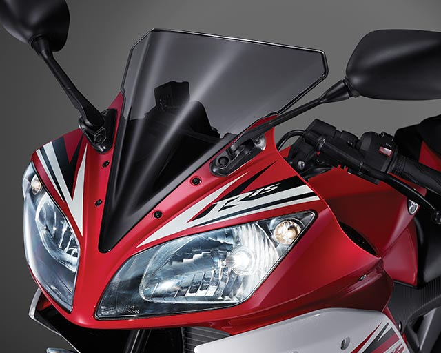 https://www.yamahas.nz/i/Images/Models/Road/Supersport/YZFr15/Features/YMA_KeyFeatures_640x512px_15_YZF_R15_Styling.jpg